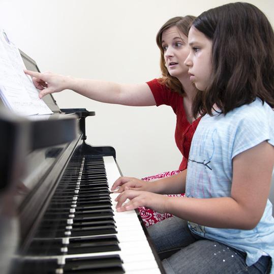 آموزش خصوصی پیانو یا گروهی